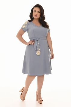 Curvy - Fascinius Moda Evangélica Plus Size Dresses, Dresses For Work, Church Outfits, Plus Size Fashion, Curvy, Womens Fashion, How To Wear, Clothes, Design