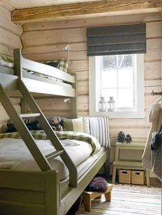 Single on top, double below Cabin Homes, Log Homes, Built In Bunks, Bunk Rooms, Bunk Beds, Lit Simple, Cabin Interiors, Up House, Cabins And Cottages