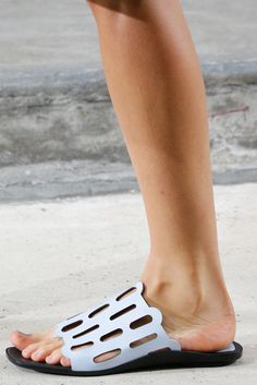 Kenzo Spring 2015 Ready-to-Wear - Details - Gallery - Style.com
