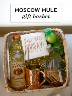Moscow Mule Gift Basket - moscow mule gift basket Best Picture For DIY decorating rustic For Your Taste You are looking for - Vodka Gifts, Alcohol Gifts, Wine Gifts, Diy Drink Gifts, Spa Gifts, Moscow Mule, Alcohol Gift Baskets, Wine Gift Baskets, Basket Gift