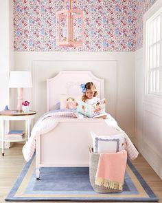Preppy Bedroom, Girls Bedroom, Bedroom Themes, Bedroom Decor, Sister Room, Peaceful Bedroom, Pastel House, Create Space, Little Girl Rooms