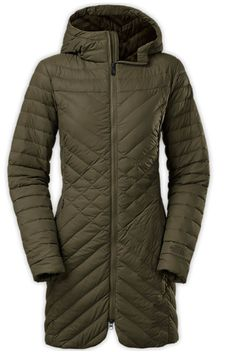 Warm and stylish winter coats: The North Face $319.99 http://en.louloumagazine.com/shopping/shopping-galleries/shopping-20-warm-and-stylish-winter-coats/ / Manteaux d'hiver ultrachauds et stylés: The North Face 319,99 $ http://fr.louloumagazine.com/shopping/galeries-shopping/shopping-20-manteaux-dhiver-ultrachauds-et-styles/