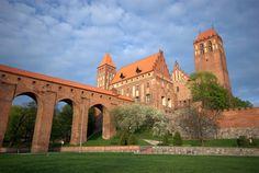 Zamek w Kwidzynie – zamek kapituły pomezańskiej w Kwidzynie wzorowany na zamkach krzyżackich.