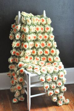 Vintage Handmade Daisy Afghan Blanket Crocheted by drowsySwords