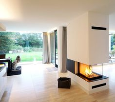 Fireplaces and tiled stoves ›Baufeuer Brandherm GmbH Fireplaces and tiled stoves ›Baufeuer Brandherm GmbH Source by Modern Fireplace, Fireplace Design, Home Living Room, Living Room Designs, Earthy Home Decor, Interior Architecture, Interior Design, Japanese Home Decor, House Plans