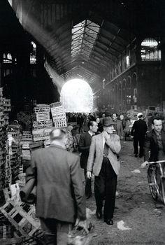 Les Halles, Paris, 1950 by Marshall Hirsh Old Paris, Vintage Paris, Paris Paris, Paris Pictures, Paris Photos, Les Halles Paris, Paris France, Montmartre Paris, Paris Markets