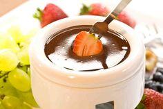 Czekoladowe fondue. #fondue #owoce #czekolada #smakołyki #walentynki #smacznastrona #tesco #przepisy