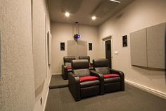 small theater room ideas | Small Home Theater Rooms Designsthe Small Spaced House Home Theatre ...
