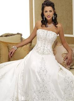 Absolutely beautiful! wish there was a sweetheart top but just beautiful
