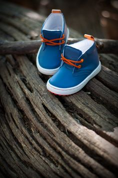 Emel Leather Trainers in blue. Trendy shoes for boys