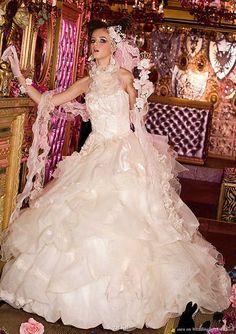 bridal boudoir - white western wedding