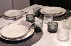 simple table setting Kotivalossa