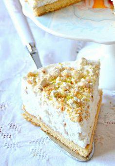 Cake cremoso al Torrone, Pistacchi e Miele con Ricotta, Panna e Yogurt Greco