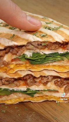 Healthy Tortilla Wraps, Healthy Quesadilla, Quesadilla Recipes, Healthy Sandwich Recipes, Healthy Sandwiches, Healthy Low Carb Recipes, Healthy Meals To Cook, Healthy Cooking, Easy Meals