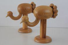 "Beautiful vintage wooden figurine ""Kurki"", by Aarikka Finland Wooden Figurines, Wooden Toys, Solid Pine, Solid Wood, Wooden Lamp, Scroll Saw, Wood Design, Woodworking Crafts, Beautiful Birds"