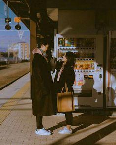 u nhiên # amreading # books # wattpad Couple Posing, Couple Shoot, Cute Couples Goals, Couple Goals, Film Photography, Couple Photography, Vintage Couples, Korean Couple, Ulzzang Couple