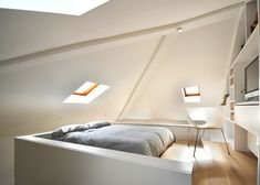Loft Space in Camden by Craft Design Loft Design, Design Case, House Design, Loft Studio, Loft Spaces, Small Spaces, Tiny Loft, Interior Architecture, Interior Design