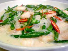 3 hungry tummies: Buncis Masak Pati Santan, Beans And Prawns Cooked In Coconut Milk