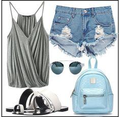 metalic shorts https://femeia25plus.com/2016/07/15/7-tinute-super-fashion-pentru-o-saptamana-de-vacanta/