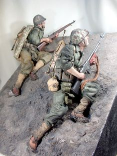 American Soldiers, Toy Soldiers, Gi Joe, Army Men, Army Guys, Us Marines Uniform, Military Drawings, Sketch Poses, Military Action Figures