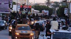 KIBLAT.NET, Sabratha – Jet tempur Amerika Serikat, Jumat dini hari (19/02), meluncurkan sejumlah serangan ke kota Sabratha, Libya Barat. Seperti dilansir BBC dari sumber setempat, kota itu dikendalikan oleh Daulah Islamiyah atau lebih dikenal ISIS. Dilaporkan 40 orang tewas akibat serangan perdana AS di itu. Juru bicara militer AS mengatakan bahwa serangan itu menargetkan salah …