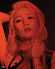 """Las chicas de Wonder Girls posan en rojo y negro para la revista """"GQ"""""""