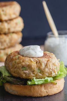 Who needs red meat when these Tuna Burgers become the best burger ever? Not only delicious but healthy too! Great for the whole family - even kids love these fish burgers! Healthy Baked Fish Recipes, Tuna Fish Recipes, Canned Tuna Recipes, Seafood Recipes, Cooking Recipes, Healthy Tuna, Healthy Eats, Yummy Recipes, Chicken
