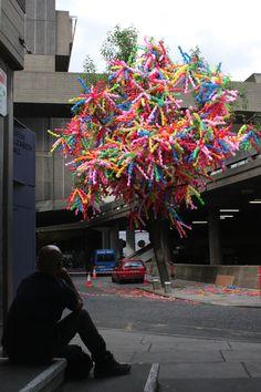 Korean pop art...basket columns and balloon trees!