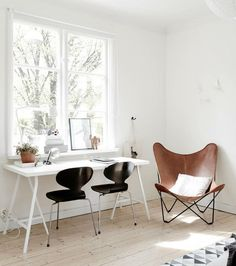 White office. Butterfly chair and Jacobsens ant chairs. via cocolapinedesign