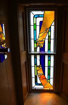 Led lights are pieces of glass ensambled altogether with lead strips. Stained Glass Door, Leaded Glass, Black Mirror, Artist At Work, Edinburgh, Glass Art, Restoration, Lights, Contemporary
