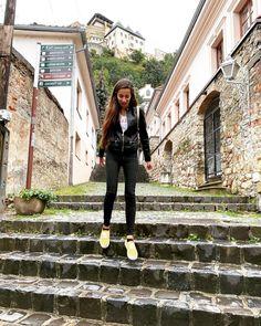 """Lucia Gaššová na Instagrame: """"🏰 . . . . . #slovensko #slovakia #thisisslovakia #praveslovenske #cestovanieposlovensku #dnescestujem #travelawesome #travel #traveling…"""""""