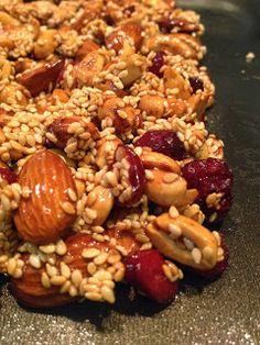 Good2Eat! AS RECEITAS NUTRITIVAS da NUTRI: Good2eat! - BARRINHA DE GERGELIM, NUTS E CRANBERRIES NO MEL DE AGÁVE!