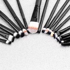 20pcs/Set Eye Shadow Foundation eyeliner Eyebrow Lip Brush Makeup Brushes set Tools cosmetics Kits beauty Make Up Brush Set Professional Makeup Brush Set