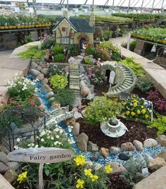 Increíble jardín miniatura! Hermosos detalles! #MiniJardines #DisenoJardines  Amazing miniature garden! Beautiful details! #MiniGardens #GardensDesign