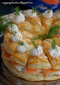 moje pasje: Królewski tort łososiowy Easter Recipes, Appetizer Recipes, Holiday Recipes, Enjoy Your Meal, Sprout Recipes, Xmas Food, Snacks Für Party, Polish Recipes, Appetisers