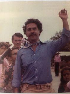 Pablo Escobar Poster, Pablo Escobar Quotes, Don Pablo Escobar, Pablo Emilio Escobar, Narcos Wallpaper, Rap Wallpaper, Pablo Escobar House, Narcos Escobar, Picasso Pictures