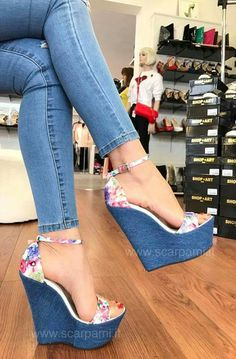 36 Blue Shoes To Inspire Shoes Fashion & Latest Trends - High Heal Shoes Dream Shoes, Crazy Shoes, Me Too Shoes, Pretty Shoes, Beautiful Shoes, Hot Heels, Platform High Heels, Blue Shoes, Girls Shoes
