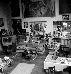 Kees Van Dongen in his studio.