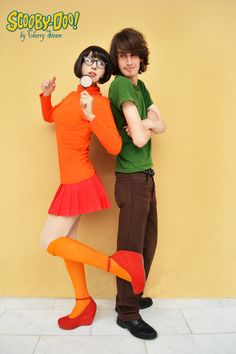 Shaggy and Velma Cherry Steam y Karim Sidas Foto de Velma Costume, 90s Costume, Couple Halloween Costumes, Shaggy And Velma, Happy Halloween, Halloween Party, Velma Scooby Doo, Velma Dinkley, Costumes