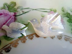 Two Vintage Mother of Pearl Carved Peace Dove Birds Brooch Pin by Holliezhobbiez on Etsy