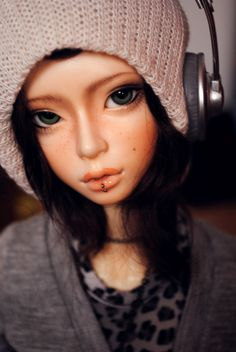 Yami: I'm framing this and hanging it above my bed! ---------------- Say cheeeeeeeeeese! <3 ---------------- (c) Yami (Dream of Doll H. Ducan): me (c) Kris (Migidoll Miho): *so-fiii