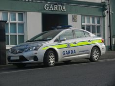 An Garda Siochana Irish Police Force Toyota Avensis Patrol Car Police Box, Police Station, Police Cars, Toyota Avensis, Rescue Vehicles, Police Uniforms, Emergency Vehicles, Board Ideas, Law Enforcement