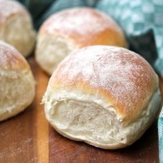 The Waterford Blaa, a traditional Irish bread Ireland's culinary boom means that skilled chefs in Scottish Recipes, Irish Recipes, Artisan Rolls, Irish Bread, Bread Recipes, Cooking Recipes, Sheet Cake Pan, Bacon Roll, Biscuits