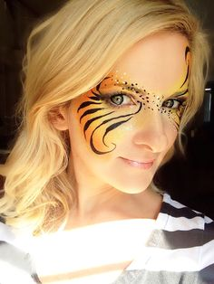 Tiger Swirl Eye Design face paint #facepaint #facepainting #tiger @daydreamfacepainting