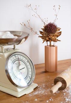 🤍 Vase, Cooking Timer, Home Appliances, Prints, Design, Plants, House Appliances, Appliances