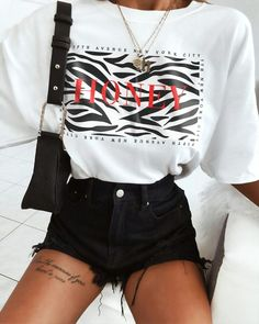 Mode Outfits, Fashion Outfits, Womens Fashion, Cute Casual Outfits, Girly Outfits, Cool Tees, Look Fashion, Spring Outfits, Ideias Fashion
