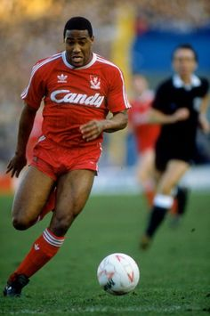 25 years ago: John Barnes signs - Liverpool FC #LFC
