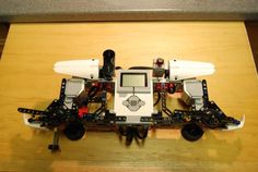 In this article you can find a comprehensive list with Lego Mindstorms EV3 projects with robots