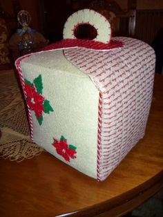 brings Christmas cakes
