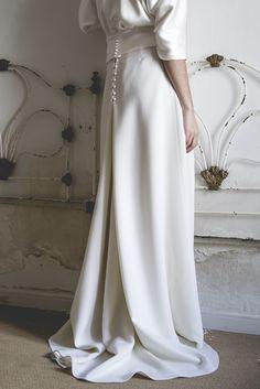 Falda de novia de crep de lana. Alejandra Svarc. Colección Mélancolie. Wedding dress.  Foto Patricia Semir.